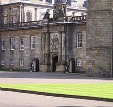 Guards at Holyroodhouse.jpg