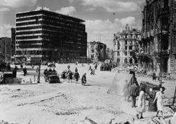Potsdamer Platz 1945.jpg