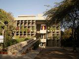 Edificio de la Asociación de Hilanderos, Ahmedabad, India (1954-1957)