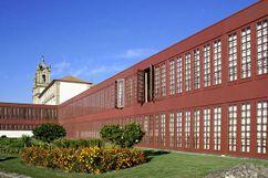 Intervención en el Convento de de Santa Marinha a Pousada, Guimarães (1975-1984)