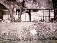 Casa Koenig, 2002 Los Encinos Avenue, Glendale, California (1950)