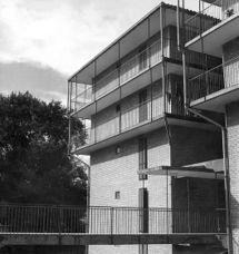 24 viviendas 'Zubiondo', Oyarzun, Guipúzcoa (1965)