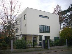 Consulta y vivienda del Dr. Rabe, Zwenkau, Alemania (1929-1930)