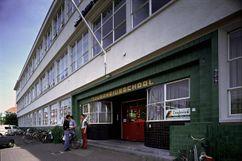 Escuela Politécnica, Groningen, junto con Leendert van der Vlugt (1922-1923)