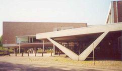 Teatro municipal de Nijmegen (1954-1961) junto con Gerard Holt