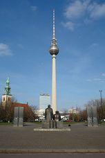 Fernsehturm Berlin 2007-03-15 1.jpg