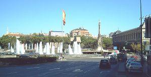Vista de la plaza desde la Calle de Génova.