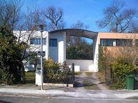Le Corbusier.Cite Fruges.arcade.jpg