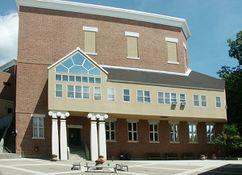 Ampliación del museo del Williams College,  Williamstown, Massachusetts (1986)}}