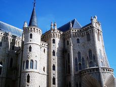 Gaudi.PalacioAstorga.3.jpg