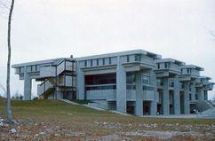 Edificio Grupo 1 SMTI, University of Massachusetts Dartmouth, North Dartmouth, MA (1964-1966)
