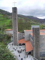 Santuario de Nuestra Señora de Arantzazu Oñate,Guipúzcoa (1950-1954), junto con Luis Laorga.