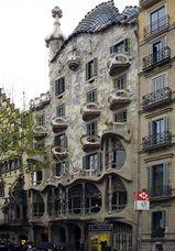 Colaboración en fachada de Casa Batlló de Gaudí, Barcelona (1906)