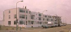 Grupo de pequeños bloques de apartamentos, Katwijk aan Zee (1945-1956) junto con Gerard Holt
