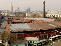 Horseshoe Garage by Melnikov and Shukhov RAF2792.jpg