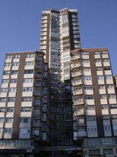 Edificio Torres y Sáez. La Coruña (1974)
