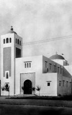 Iglesia de Lareche (1927-1931), junto con Luis Blanco Soler