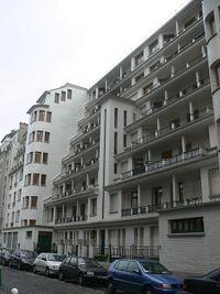 Immeuble Sauvage - piscine des amiraux - rue des amiraux.JPG