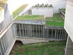 LeCorbusier.Convento La Tourette.10.jpg
