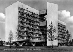 Niemeyer.Interbau.3.jpg