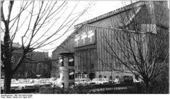 Bundesarchiv Bild 183-S0413-0336, Berlin, Friedrichstadtpalast.jpg