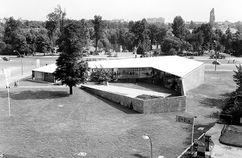Pabellón de Berlín en la Interbau, Berlín (1956-1957), junto con Hermann Fehling