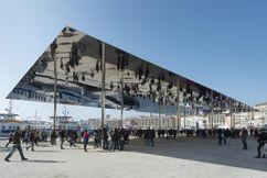 Cubierta en el puerto viejo de Marsella (2011-2013)