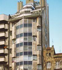 Viviendas en Plaza Compostela, Vigo (1963)