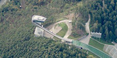 Zaha Hadid.trampolin esqui.F1.jpg