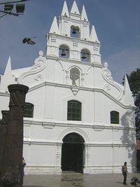 Iglesia La Veracruz-Fachada 2-Medellin.JPG