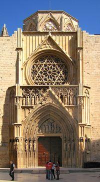Puerta de los Apóstoles a mediodía