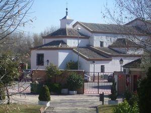 Vista trasera de la ermita del Cristo de la Salud