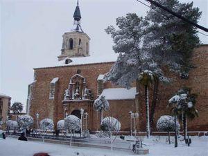 Parroquia de San Pedro Apóstol nevada