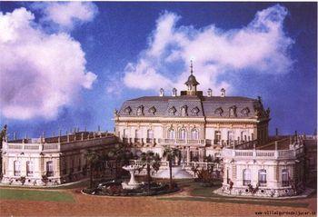 Maqueta que representa el Palacio de los Gosálvez tras su construcción en 1905 y como quedará tras su restauración.