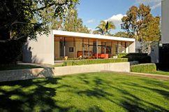 Case Study House Nº 9, Pacific Palisades (1949-1950) junto con Eero Saarinen