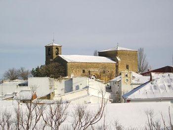 Cervera-del-llano-iglesia-de-s-pedro-apostol.jpg