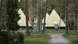 Skogskyrkogarden TallumPavilion2.jpg