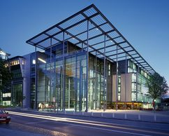 Centro Multimedia, Hamburgo, Alemania (1995-1999)