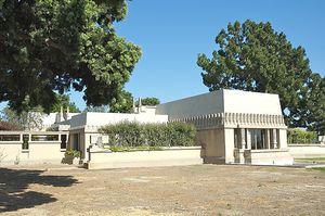 Casa Barnsdall.Frank Lloyd Wright.jpg