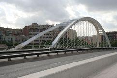 Puente Bach de Roda - Felipe II, Barcelona, España. (1984-1987)