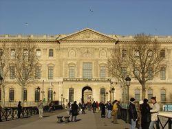 El Louvre visto desde el .