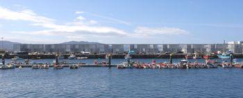 Piñera Irisarri.departamentos pescadores Cangas.jpg