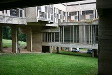 LeCorbusier.Convento La Tourette.8.jpg