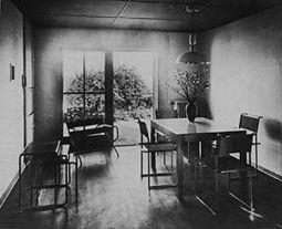 WalterGropius.Casa17Weissenhof.2.jpg