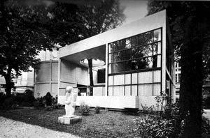 reproducción del pabellón realizada en 1977. Área Fiera, Bolonia