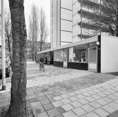 Exterieur OVERZICHT INGANG, WINKELS - Rotterdam - 20285810 - RCE.jpg