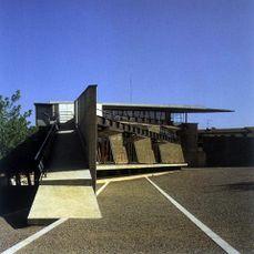 Centro social de Hostalets (1986-1992), junto con Enric Miralles.
