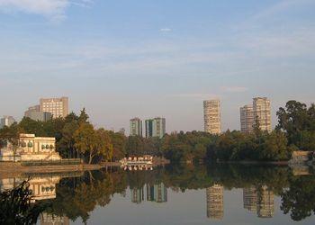 Lago en la Primera Sección del Bosque de Chapultepec