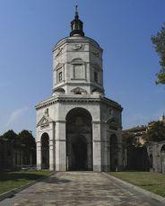 Monumento a los Caidos, Plaza San Ambrosio, Milán (1927-1928)
