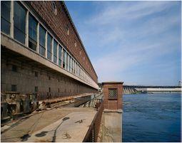 Estacionhidroelectrica Dnieper.2.jpg